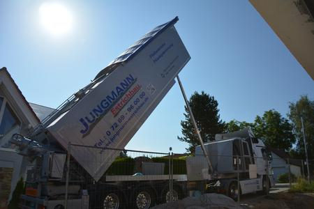 The delivery process can begin immediately after the machine arrives at the construction site. No valuable working time is spent setting up equipment on site.