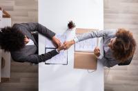 Stellenanzeigen – Not muss erfinderisch machen