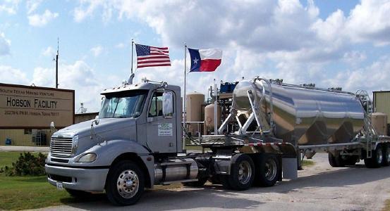 UEC-Truck vor Hobson