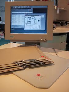 Findentity Arbeitsplatz mit RFID-Lesegerät