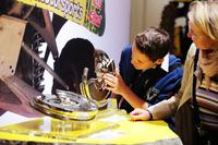 IAA 2013: Produkte und Reparaturlösungen von Schaeffler Automotive Aftermarket begeistern - über alle Altersklassen hinweg