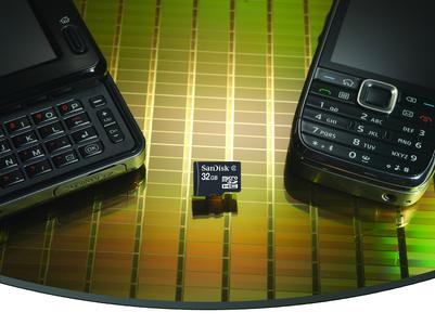 Größerer Speicher für mehr digitale Inhalte: SanDisk stellt 32GB microSDHC Karte für Handys und Smartphones vor