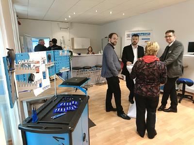 Erfolgreiche Gespräche und Kundenpflege bei der Neuer-öffnung in Remscheid