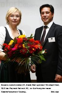 Justizministerin besucht Büroeröffnung der Payment Network AG