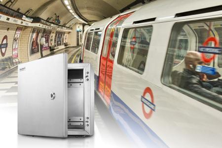 Die speziellen Gehäuse von Weidmüller bieten einen optimalen Schutz für die neue Zugsicherungstechnik in der London Underground. (Copyright: Shutterstock / pisaphotography)