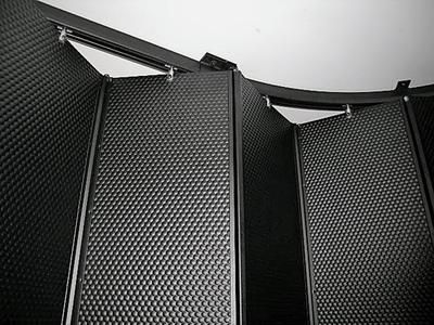 EVER-GUARD® Laserschutz-Vorhänge aus Metall