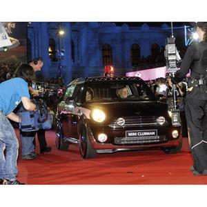 Life Ball 2008. Red Carpet. Der Life Ball MINI 2008 designed by Agent Provocateur auf dem Red Carpet beim Life Ball 2008