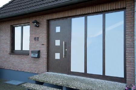 Unilux Holz-Haustür Außenansicht