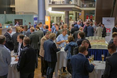 Mehr als 150 Teilnehmerinnen und Teilnehmer nahmen in den letzten beiden Jahren jeweils an dem KWK-Jahreskongress teil (Bild: BHKW-Infozentrum)