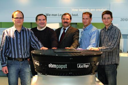 Das Entwicklerteam um Geschäftsführer Forschung und Entwicklung der ebm-papst Gruppe Dr. Bruno Lindl (Mitte): Matthias Maschke, Dr. Berthold Liebig, Dr. Bruno Lindl, Oliver Haaf, Markus Engert (v. l. n. r.)