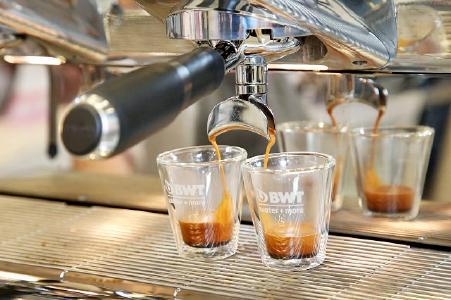 Die kontrollierte Remineralisierung von BWT water+more macht aus jedem Leitungswasser perfektes Kaffeewasser / Foto: BWT water+more