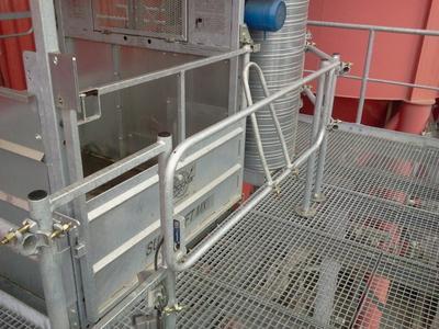 [Schwenktore] / Die Schwenktore lassen sich leicht verriegeln und bieten zugleich eine hohe Betriebssicherheit / Foto: Böcker Maschinenwerke, Werne