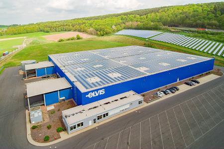 Die ELVIS Teilladungssystem GmbH verdoppelt die Kapazitäten ihres Hubs in Knüllwald von derzeit 10.000 auf 20.000 Quadratmeter. (Foto: Rolf Walter)