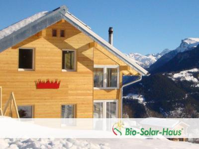 ein holzhaus in bio solar haus bauweise bauen bio solar haus gmbh pressemitteilung. Black Bedroom Furniture Sets. Home Design Ideas