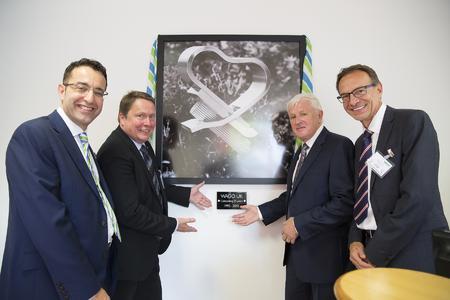 Von links: Tony Hoyle (Managing Director WAGO UK), Sven Hohorst (Geschäftsführender Gesellschafter), Gordon Smith (Managing Director retired WAGO UK), Jürgen Schäfer (Geschäftsleitung Vertrieb) bei der Jubiläumsfeier in England. Foto: WAGO