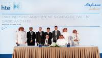 Vordere Reihe, von links nach rechts: Dr. Wolfram Stichert, CEO, hte; Dr. Fahad Al-Sherehy, VP, T&I, SABIC Hintere Reihe, von links nach rechts: Dr. Abdullah Al-Refaie, GM, Global Technology Centers, T&I, SABIC; Dr. Khalid Al-Bahily, Senior Manager, Advanced Materials, CRD, T&I, SABIC; Dr. Mathias Haake, Director Business Development, hte; Dr. Khalid Karim, Corporate Research Fellow, T&I, SABIC; Dr. Sascha Vukojevic, Sr. Business Development Manager, hte; Dr. Waleed Al- Shalfan, GM, TM, T&I, SAB