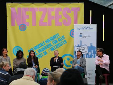 Podiumsdiskussion Stiftung Digitale Chancen auf dem Netzfest