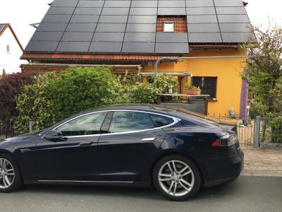 TESLA und SunPower/Panasonic Solar