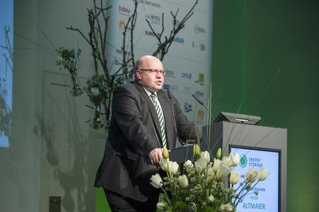 """Bundesumweltminister Peter Altmaier sprach vor 530 Teilnehmern der Konferenzmesse """"Energy Storage - International Summit - International Summit for the Storage of Renewable Energies"""" in Düsseldorf"""