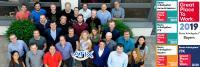 """Das Team der ATIX AG freut sich über die dritte Auszeichnung als """"Great Place to Work""""."""
