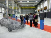 """Passend zur Generation der Zukunft wurden die Gäste der Veranstaltung """"Generation Z"""" auch durch die Ausstellung """"Harter Stoff"""" über das Zukunftsmaterial Carbon geführt"""