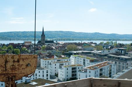 Blick vom Baugerüst über Radolfzell am Bodensee. (Foto: Ejot)