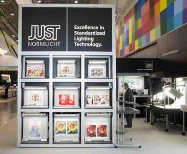 Renommierte Firmen setzen auf standardisierte Lichtsysteme von Just  Normlicht