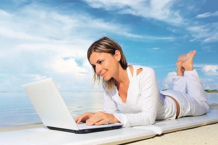 CompuGroup Medical startet internationale Expansion von Online-Diensten