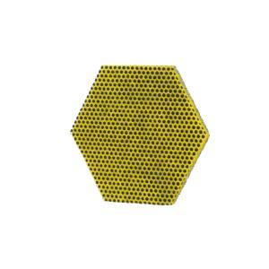 Mit der gelben Seite des neuen Handpads lassen sich selbst hartnäckige Essensreste mühelos aus Töpfen entfernen
