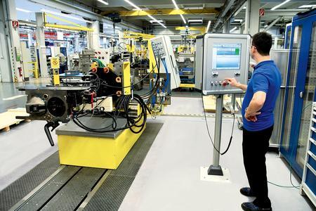 Prüfstand mit digitaler Werkerführung bei Voith Turbo in Salzgitter