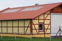 Gelungenes Beispiel einer Dachsanierung mit dem Produkt LM D-TILE in Thüringen.