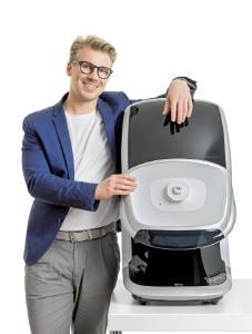 """Niklas Müller-Amon präsentierte beim """"VDCO Symposium – im Kolloqium mit den Hochschulen"""" seine Abschlussarbeit im berufsbegleitenden Studiengang """"Vision Science and Business (Optometry)"""" der Hochschule Aalen, Fotohinweis: privat"""