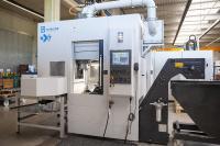 Die Schuster nxt ist die aktuelle Vertikaldrehmaschine der Schuster Maschinenbau GmbH. Zusammen mit dem Project-Engineering-Team von CERATIZIT wurde ein Werkzeugkonzept ausgearbeitet, mit dem sich auch komplexeste Bauteile in höchster Qualität realisieren lassen