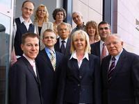 Freuen sich über inzwischen 150 abgeschlossene Lizenzverträge: Das Team der Papst Licensing GmbH & Co. KG. (vorne li.: Daniel und Constantin Papst, vorne re.: Georg Papst)