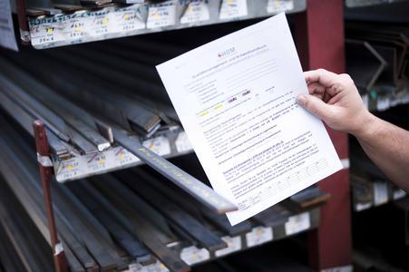 Beschriftung des Materials für eine eindeutige Materialzuordnung und optimale Materialausnutzung (Foto: EWM AG)