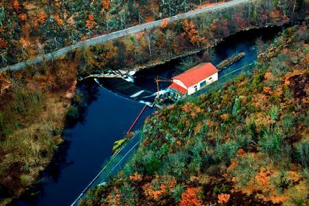 Kleinwasserkraftwerk Lempdes sur Allagnon (Foto: Green City Energy)
