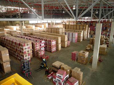 19.000 Paletten, ein Warenumschlag von 1.500 m3 pro Tag  - ISASTORE® steuert die Prozesse im Blocklager