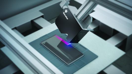 Gocator® 2512 scannt den Rahmen und Glasdisplays von Mobiltelefonen