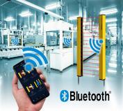 YBES Sicherheits-Lichtvorhänge von Contrinex verfügen über eine Bluetooth BLE-Schnittstelle zur Konfiguration und Überwachung per Smartphone (Quelle: Contrinex, Shutterstock/ssguy/Hand Robot)