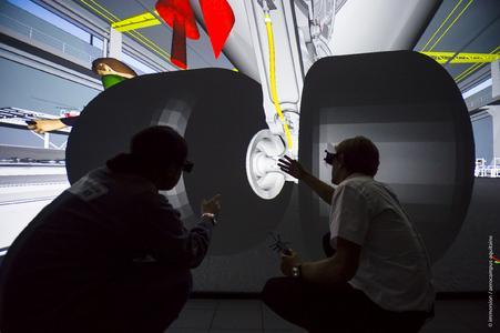 Dank des neu installierten Virtual Reality-Raums kann AEROCAMPUS Aquitaine nun immersive und kollaborative Trainingssitzungen für Wartungsmaßnahmen im Bereich Luft- und Raumfahrt anbieten