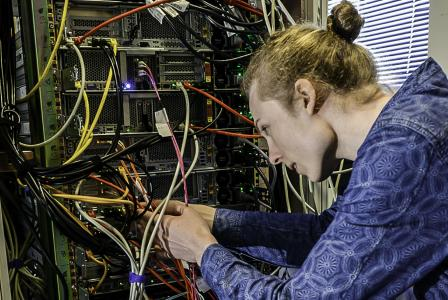 Die LIS AG hat 100.000 Euro in neue IT-Hardware investiert und einen eigenen Serverpark am Unternehmenssitz in Greven errichtet / Foto: LIS