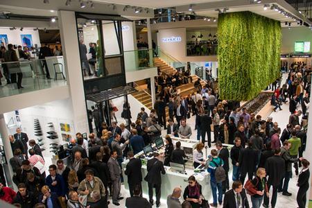 Mit mehr als 10.000 registrierten Planern, Architekten, Investoren und Metallbauern stellt Schüco auf der diesjährigen BAU einen neuen Besucherrekord auf.