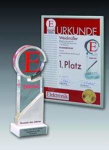 """Die Auszeichnung """"Produkt des Jahres 2012"""" erhielt Weidmüller in der Kategorie Automatisieren für sein Industrial-Ethernet-WLAN Modul. Der Erstplazierte erhielt neben der Urkunde noch den Elektronik-Pokal """"Produkt des Jahres"""""""