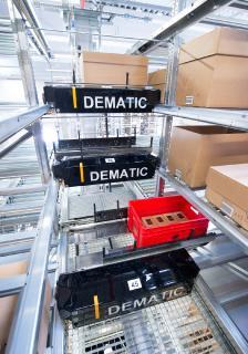 Für Omni-Channel-Unternehmen mit einem breit gestreuten Sortiment wie der Sportbekleidungsspezialist Mammut Sports Group AG ist das Dematic Multishuttle optimal geeignet / Foto: Dematic