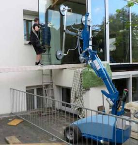 CLAD-LIFT Fensterroboter mit Teleskoparm
