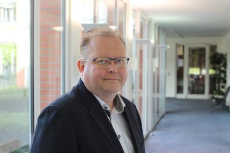 Freut sich über das gute Testergebnis: Frank Hillmann, langjähriger Leiter der Entwicklung bei HDS-sozial / FOTO © VRG-Gruppe