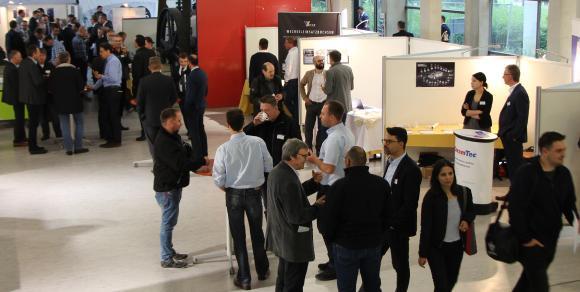 Die Ausstellung während des Gießereikolloquiums an der Hochschule Aalen war gut besucht (Foto: © Hochschule Aalen/ Dominik Flierl)