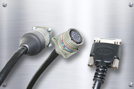Für nicht standardmäßige Anwendungen gibt es viele verschiedene Kabel- und Steckverbinderlösungen