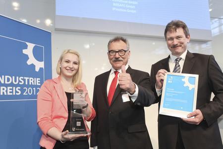 Bild: von rechts Herr Jürgen Kohl, Herr Prof. O. Braun, Frau Sonja Pakalski