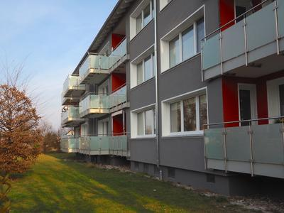 Auch die Rückseite der Wohngebäude kann sich sehen lassen, Foto: Caparol Farben Lacke Bautenschutz/Axel Schmidt-Adlung